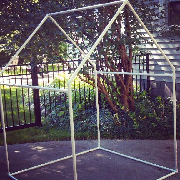 Pvc playhouse sunshade pvc frame a jennuine life for Pvc playhouse kit
