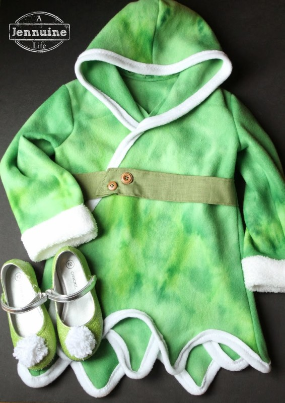 Tinkerbell costume for a michigan halloween a jennuine life for a trip to the winter woods aka michigan i made a cozy fleece coat i used the bubblegum coat pattern from see kate sew for the arms and bodice solutioingenieria Choice Image