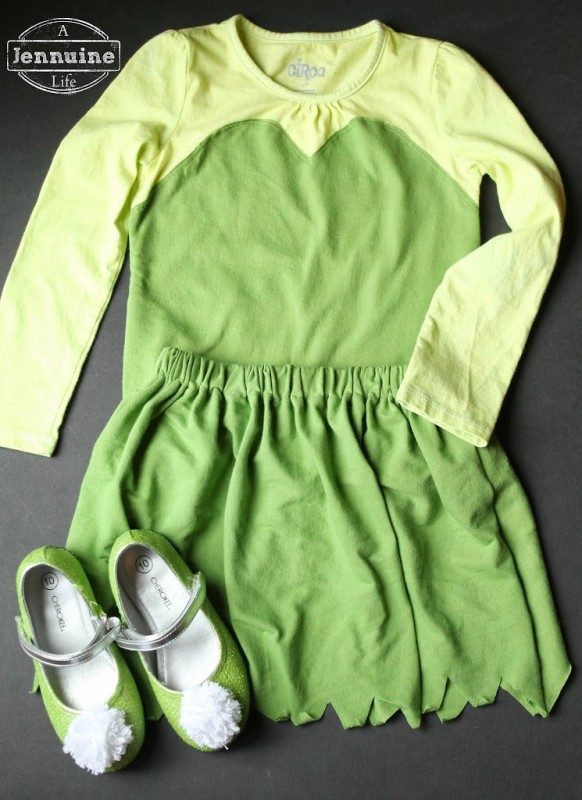 Tinkerbell costume for a michigan halloween a jennuine life i could have made a shirt but i just bought a white shirt and dyed it i was all prepared to brag about my custom dye coloring when it looked like the solutioingenieria Choice Image